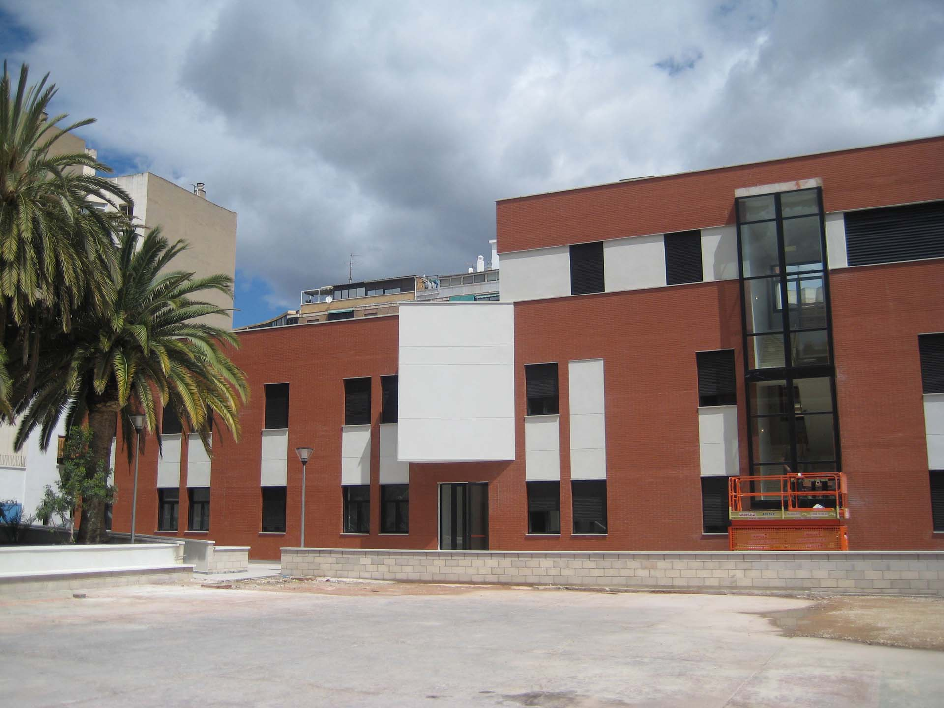 Building for Youngsters Els Estels