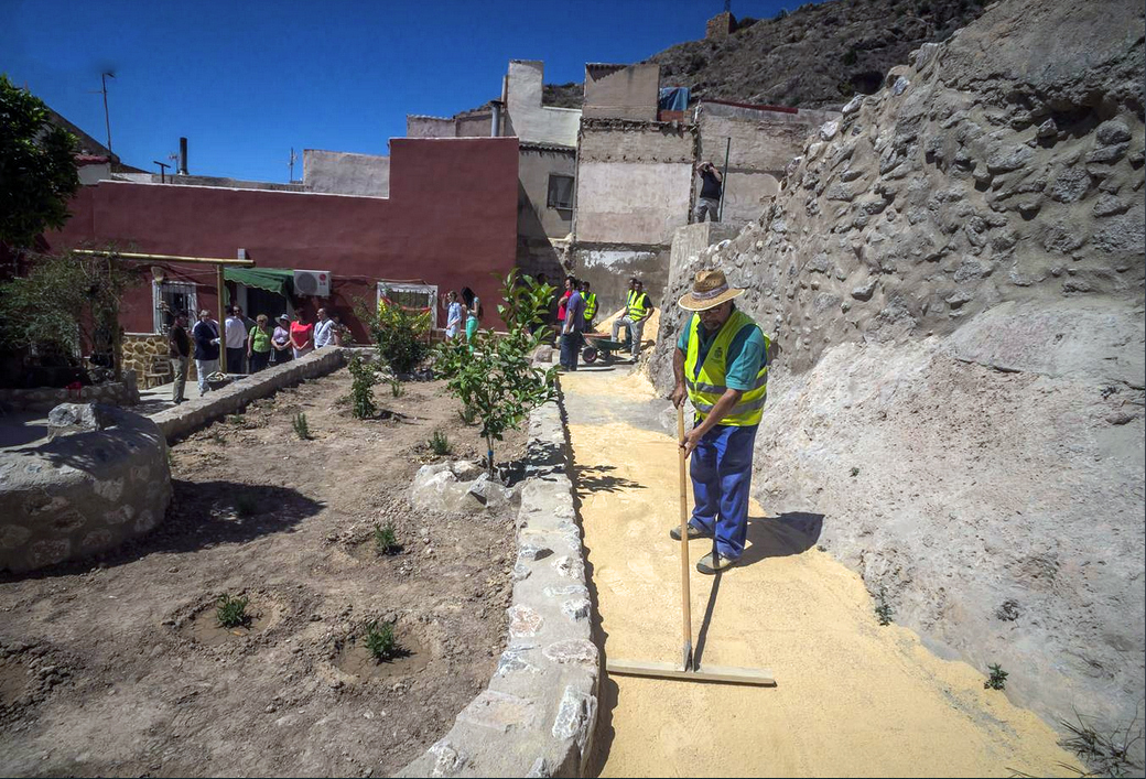 Refurbishing of Barrionuevo and Miguel Hernandez streets